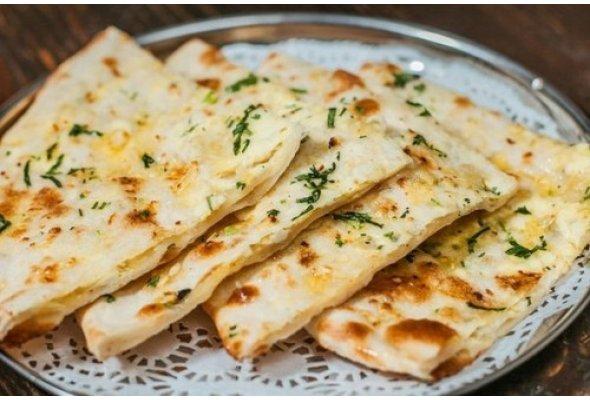 Индийская паратха с начинкой из картофеля