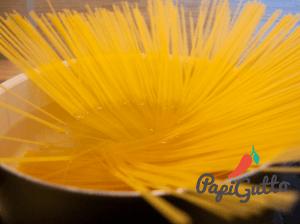 Паста с вялеными томатами и адыгейским сыром 1