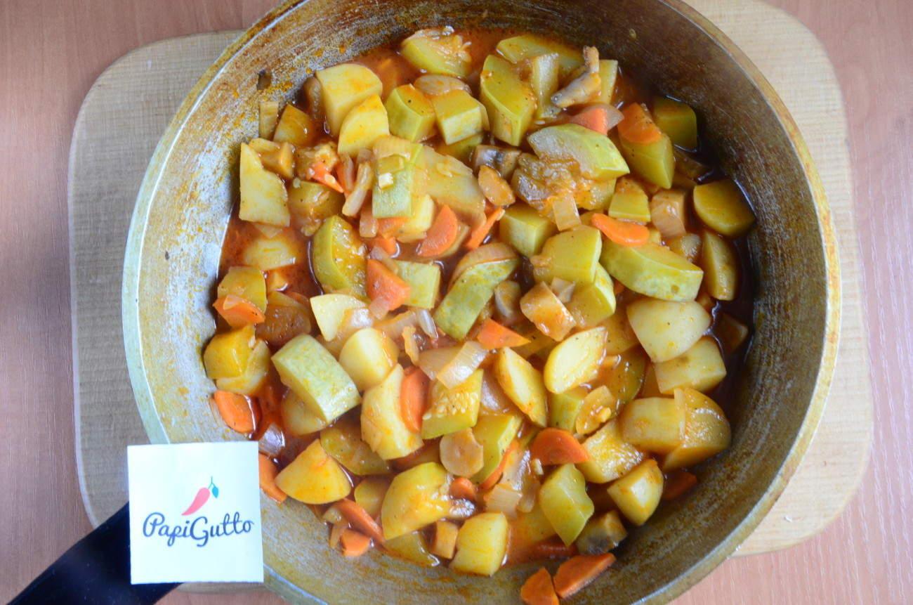 Как потушить кабачки на сковороде рецепт пошагово
