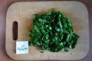 Зеленый борщ со щавелем 2