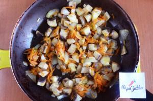 Тушеная капуста с мясом и грибами 6