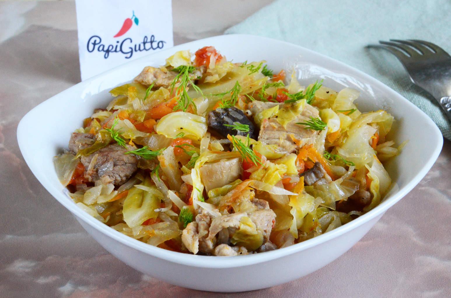 Капуста с мясом и грибами рецепт пошагово