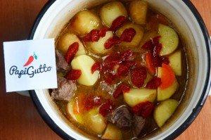 Молодая картошка тушеная с говядиной 11