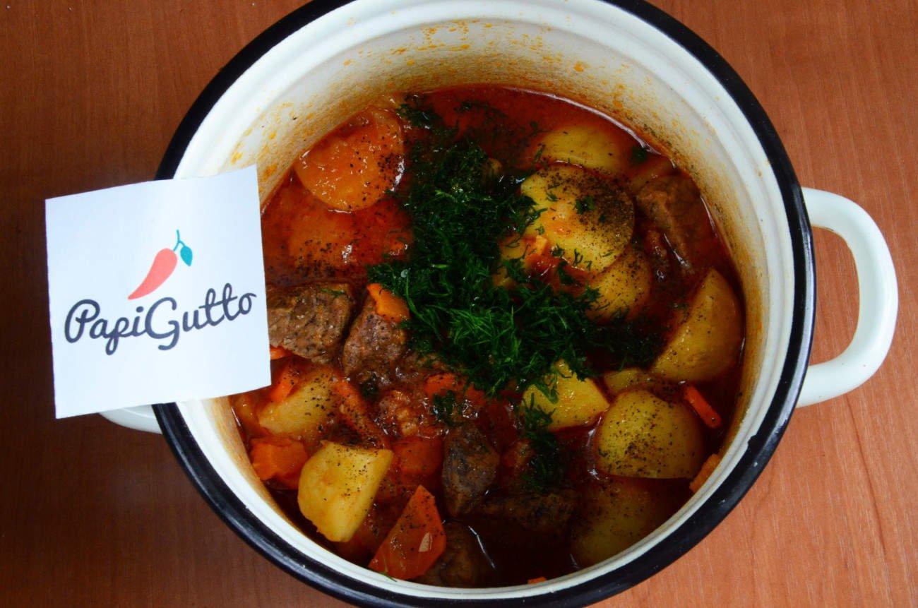 Тушеная картошка с мясом простой рецепт пошагово