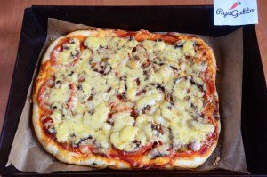 Пицца с шампиньонами 13
