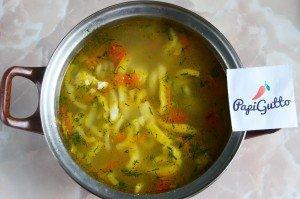 Куриный суп с домашней лапшой 13