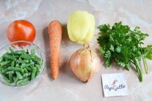 Стручковая фасоль тушеная с овощами 1