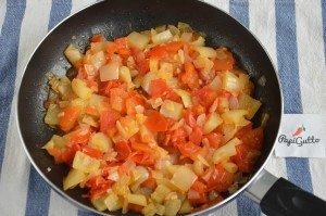 Шакшука (яичница с помидорами) 4