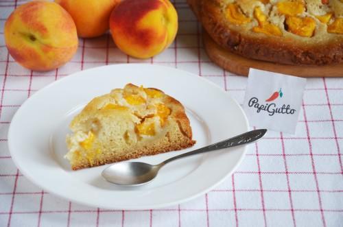 Пиріг із персиками