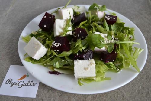 Салат со свежей свеклой фото