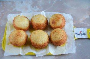 Сирні пончики 8