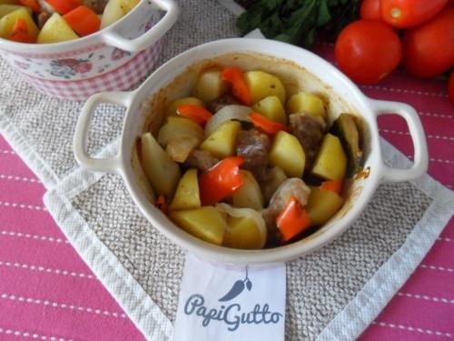 Картопля в горщиках