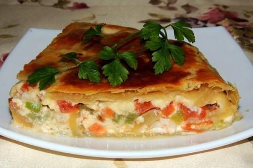 Заливной пирог с овощами и куриным мясом