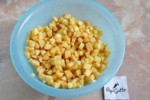 Пирог на кефире с яблоками 7