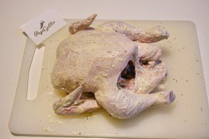 Запеченная курица целиком в духовке 5