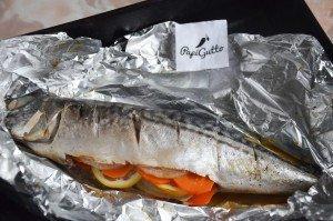 Скумбрия в духовке (рыба запеченная в фольге) 9