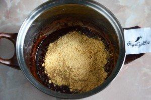 Сладкая колбаска из печенья 6