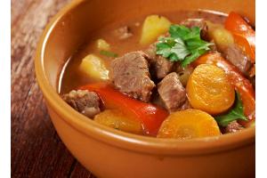 Як тушкувати м'ясо і овочі