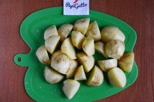 Молода картопля, тушкована з яловичиною 5