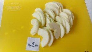 Шарлотка с яблоками 1