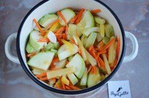 Салат из кабачков на зиму 7