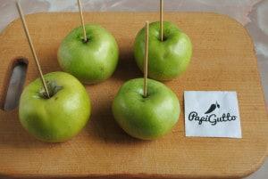 Яблоки в карамели 2